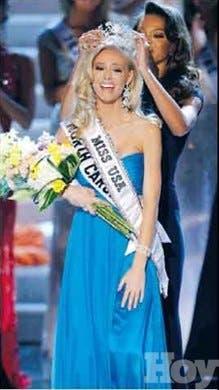 Miss EEUU en limpieza río Los Pomos