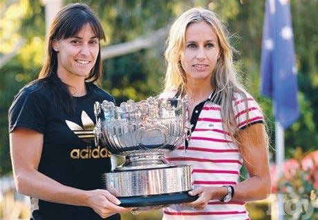 Dulko y Pennetta ganan en pareja femenina en el tenis