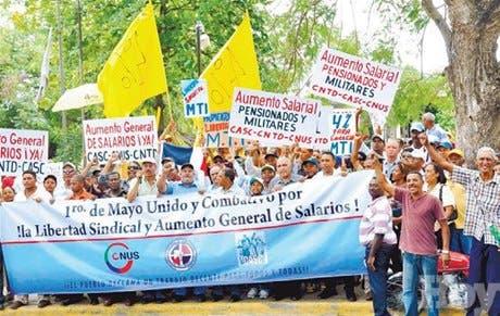 Obreros deploran condiciones laborales que priman en el país