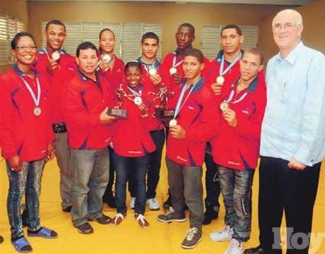 Selección de lucha logra nueve medallas en torneo Guatemala