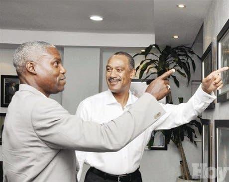 Carl Lewis visita a MIDEREC y conoce apoyo dado por LF a los deportistas RD