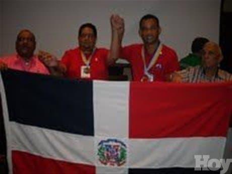 <P>RD se coronacampeón mundial de domino</P>
