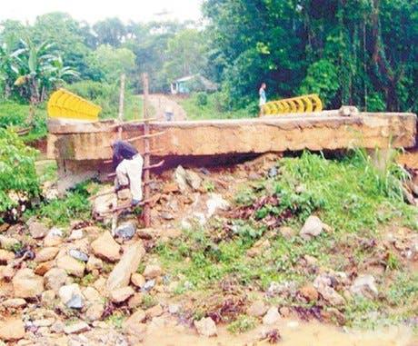 200 familias están aisladas por caída de puente Yamasá