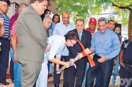 http://hoy.com.do/image/article/671/460x390/0/2642BD9E-750D-4725-83E6-0CBFB3FF94A9.jpeg