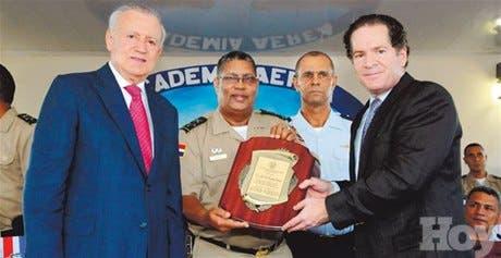http://hoy.com.do/image/article/671/460x390/0/55F63FBD-2F40-4237-B38A-67F4B8C2BAEC.jpeg