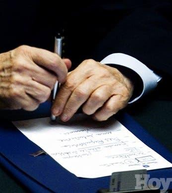 Berlusconi renunciará después que parlamento apruebe reformas