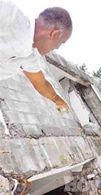 <P>Edificio derrumbado carecía de permiso de Obras Públicas</P>
