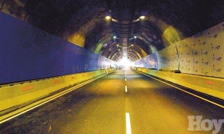 """<P>Abren hoy al tránsito, para prueba, """"el túnel de la UASD""""</P>"""