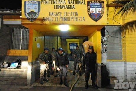 Un centenar de personas mueren en un incendio en una cárcel de Honduras