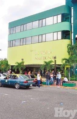 Denuncian instalación bancas ilegales en Azua