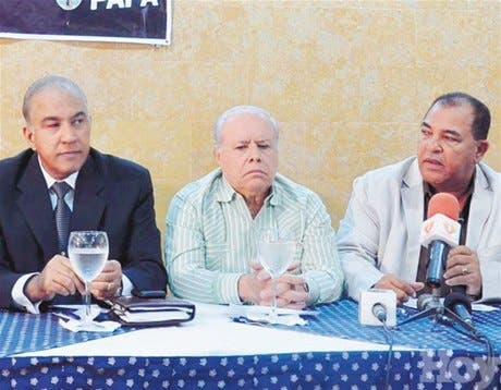 Bautista dice Leonel se burló del pueblo en sus memorias