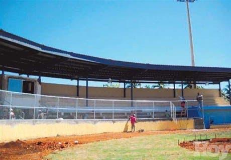 Avanzan trabajos de reordenación estadio Barahona