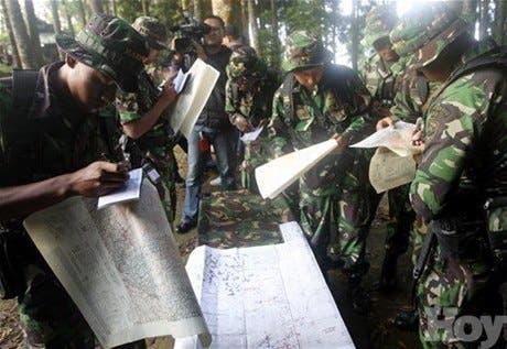 Encuentran 12 cadáveres donde se estrelló avión ruso en Indonesia