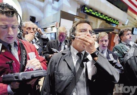 """Expertos pronostican otro """"Lunes Negro"""" en Wall Street"""