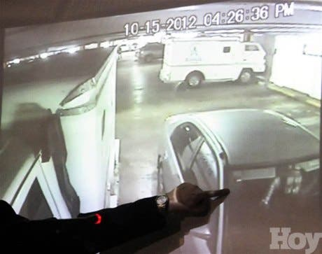 <P><STRONG>Video de Soanny Montero mostrado por la Policía confirma que estaba sola y nunca se desmontó de su vehículo </STRONG></P>