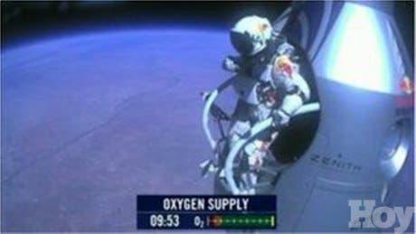 <b>Un austríaco logró hoy el salto más alto de la historia</b><br>