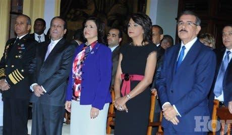 <STRONG>Primera Dama ofrece misa por 100 días del gobierno de DaniloMedina</STRONG>