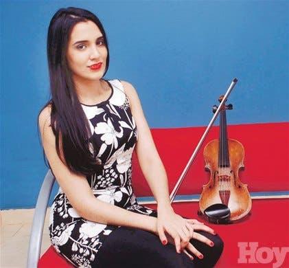 <STRONG>Aisha Syed con primer disco</STRONG>