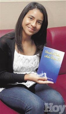 Joven de 15 años publica novela
