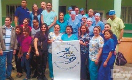 Médicos residentes en USA realizan operativo en el país
