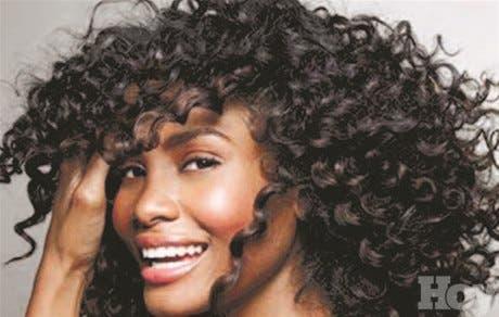 Como peinar el cabello rizado de lado