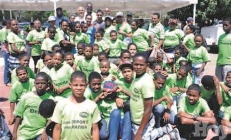 Luguelin encabeza Convivio Atletismo Escolar