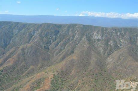 """Medio Ambienteadvirtió a más del 60% de los ocupantes ilegales del Parque Nacional Sierra de Bahoruco, """"incluyendo a peces gordos"""""""