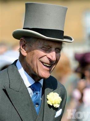El príncipe Felipe, animado en su 92 cumpleaños en el hospital