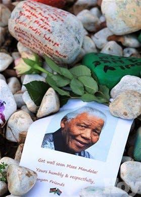 <P>Guardaespaldas crítica control de visitas a Mandela; dice es como si estuviera «de nuevo en la cárcel»</P>