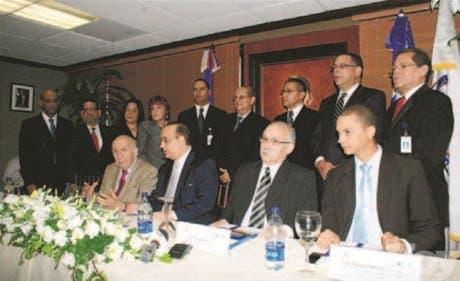 Castillo juramenta comisión ética en el BNV; consta de 9