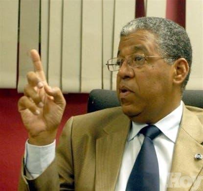 Embajador espera gobierno haitianohable hoysobre prohibición de importación de pollos y huevos de RD