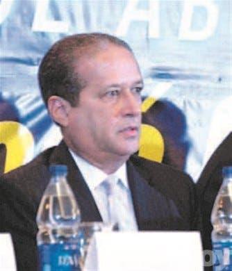 Fernández encabeza reunión en Santiago