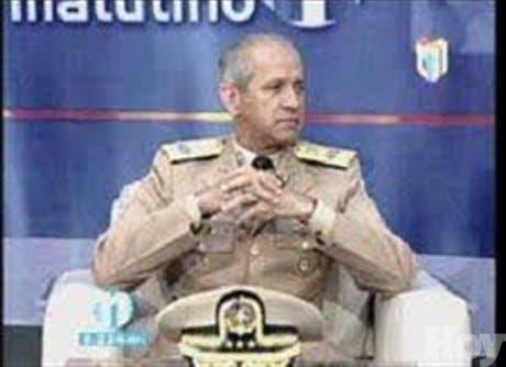 Entrevista al Almirante Sigfrido Pared Pérez, ministro de las Fuerzas Armadas