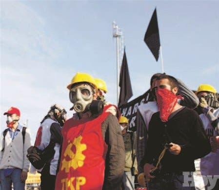 Siguenprotestas contra gobierno turco