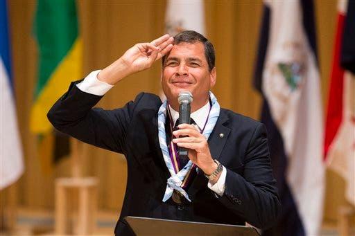 Presidente de Ecuador insta a Correa a dar la cara ante la Justicia del país