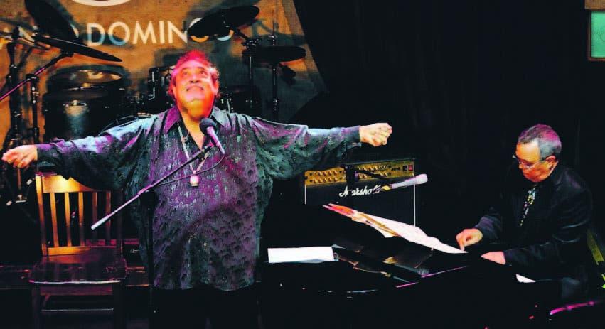 Anthony Ríos cantó durante más de dos horas, acompañado al piano por su amigo Víctor Taveras