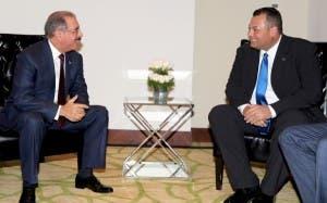 Presidente Danilo Medina se reúne con Primer Ministro de Curazao