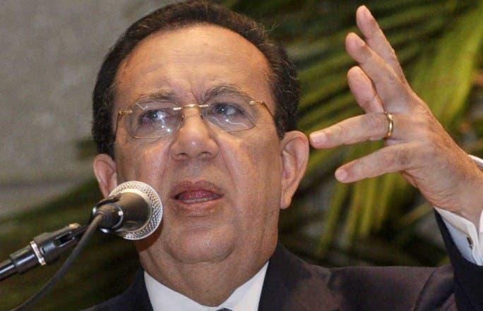 El gobernador Héctor Valdez Albizu