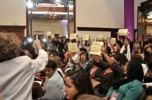 Feministas envían carta al TC pidiendo rectifique sentencia;dicen aumenta violencia de género