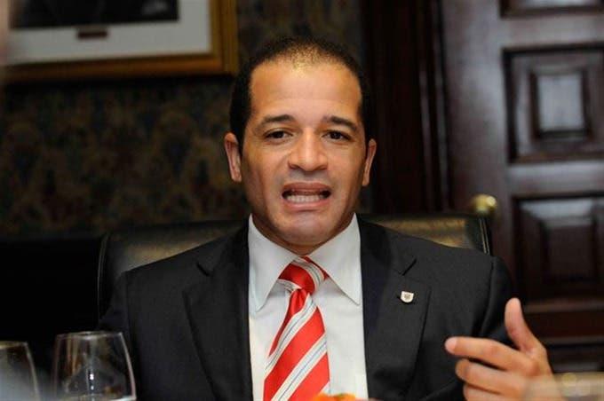 Juan D Los Santos