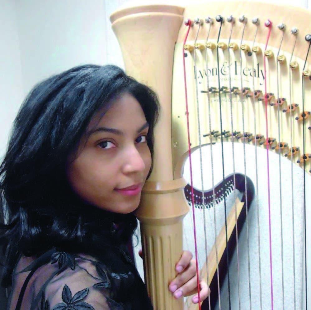 Martha De Luna debutó con el concierto para arpa y orquesta de George Friedrich Händel