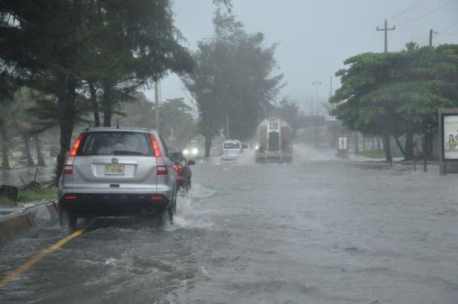 Se esperan para hoy fuertes aguaceros por onda tropical que podría convertirse en ciclón