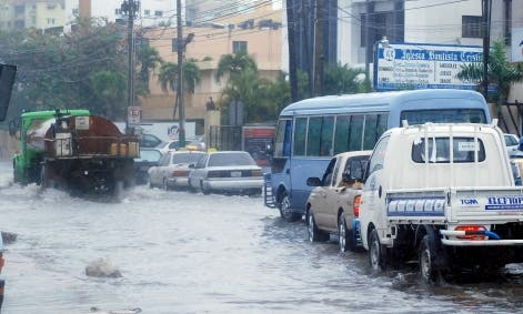 Vaguada salió del país pero continuarán aguaceros