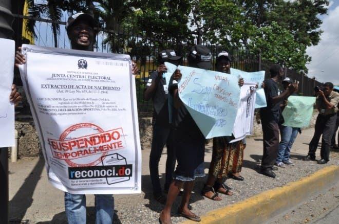 Protesta ante JCE  12-06-2012
