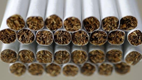 La Policía detiene siete personas con 12,042 cigarrillos falsificados