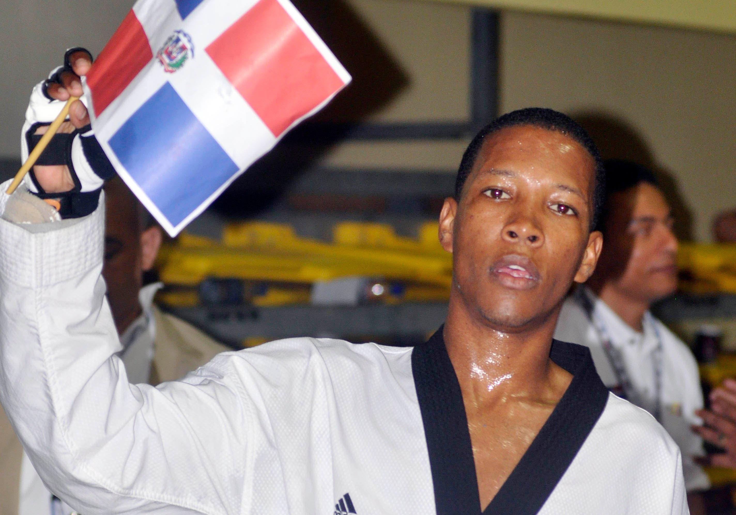 Medallista olímpico Gabriel Mercedes recibe terapia tras ser operado