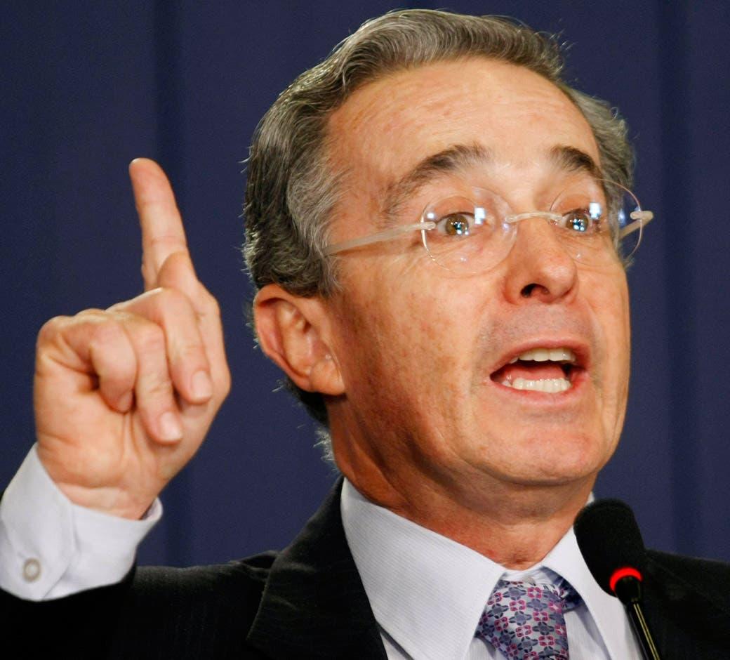 """Uribe dice que su hermano es """"preso político"""" y su captura una """"farsa cruel»"""