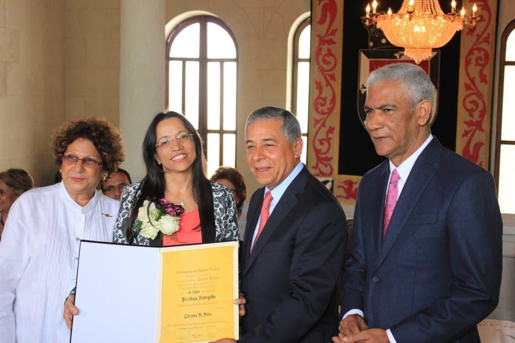 Yanet Féliz, de El Día, junto a Consuelo Despradel y Roberto Salcedo. Ariel Mercedes