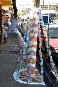 Un nacimiento navideño en Guachupita,  de más de 20  hechos a base de plásticos en sectores del DN. Francisco Reyes