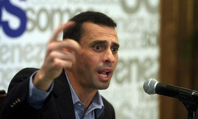 Capriles señala servicio de inteligencia como grupo de espionaje.